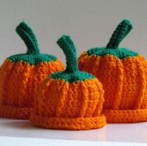 little pumpkin hat for blog post