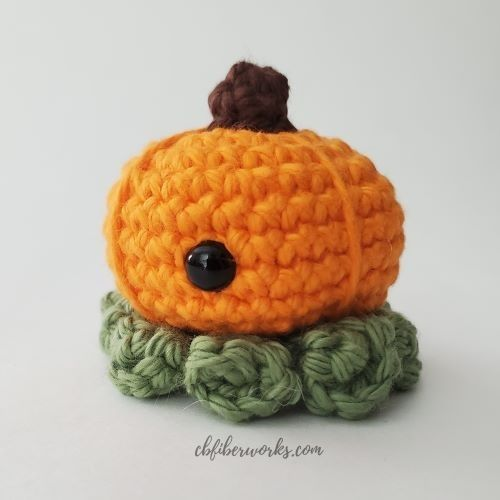 mini pumpkin octopus for blog post